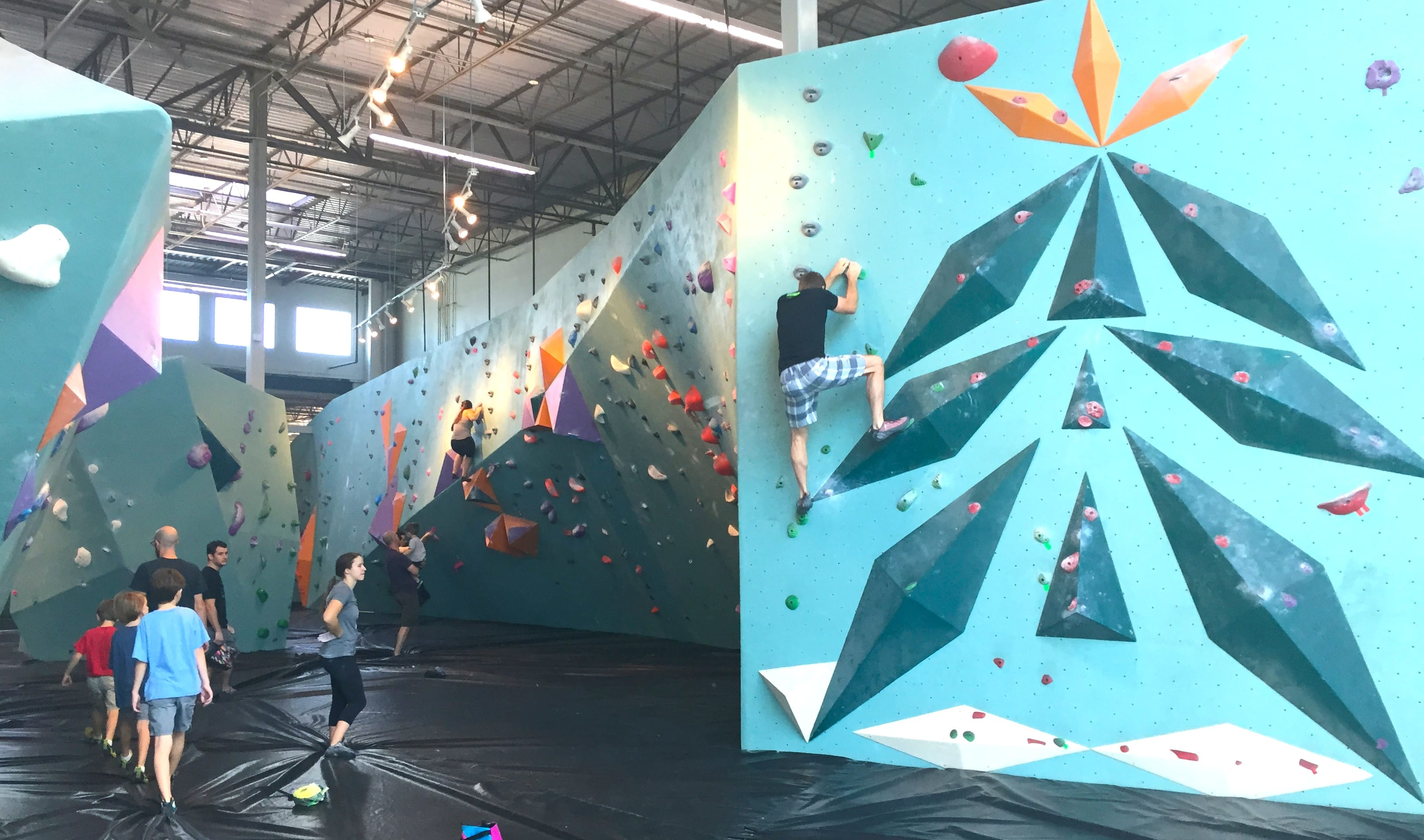 bouldering project Large, functional, durable and loaded with features, the project boulder mat is the ideal partner to have underneath you made in our own uk factory, the project is.