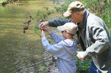 Kids_Fishing_Day_(5164952980)-1