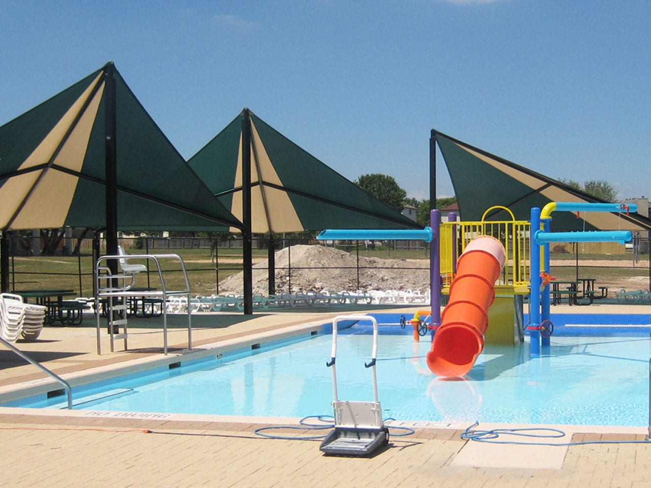 Awesome pools splash pads around austin do512 family for Memorial park swimming pool hours